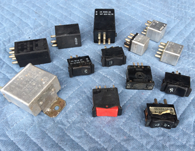 W123 relay switches